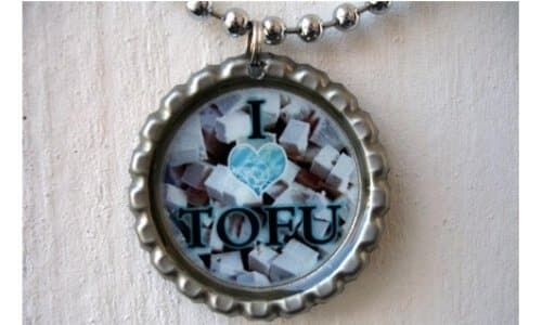 bottle-cap-necklace