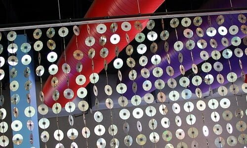 CD Sculpture | Steve Snodgrass (https://www.flickr.com/photos/stevensnodgrass/) | Creative Commons