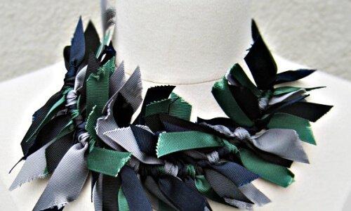 grosgrain ribbon necklace DIY -worn at the collar | love Maegan (https://www.flickr.com/photos/lovemaegan/) | Creative Commons